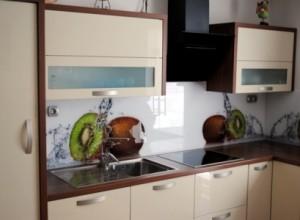 DSC 1117 300x220 Kuhinjska stekla