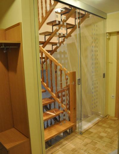 dvojna drsna vrata stopnišče